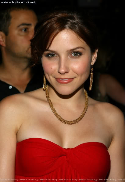 Slike Sophie-Brooke - Page 9 Sophia-Bush-one-tree-hill-999252-1