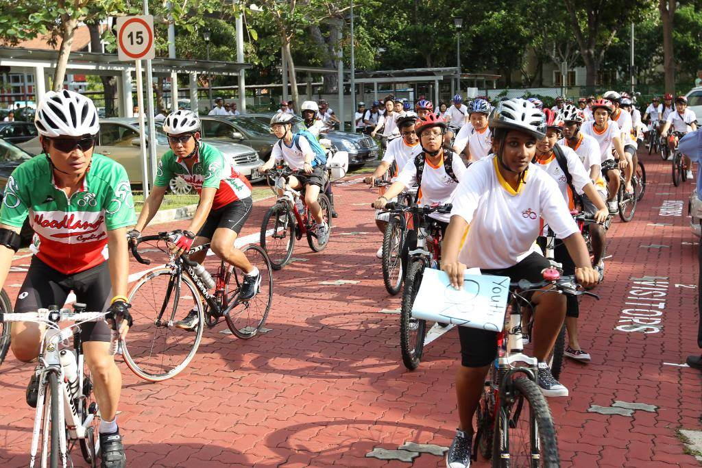 Youth CycleAbout @ Joo Chiat Photos/ Video (more pics updated 15/05/2010) 861504675_jc2076