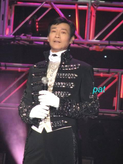 [15-10-2010] Hình ảnh liveshow Những Ca Khúc Kinh Điển ở Macau IMG_0625a