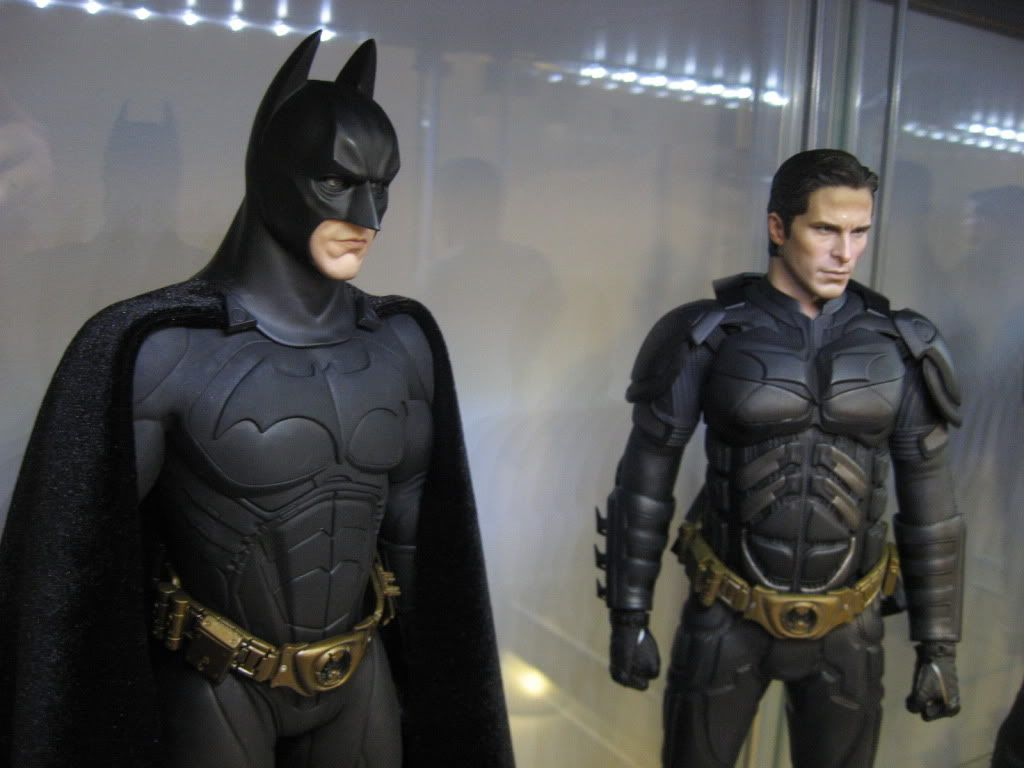 [Hot Toys] Batman Begins: Batman/ Bruce Wayne (2011 Toy Fairs Exclusive)  - Página 32 IMG_7773