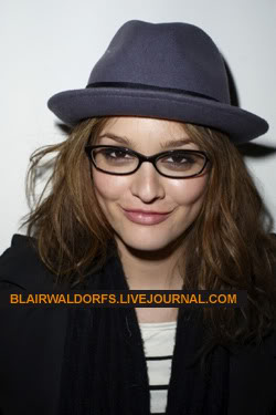 #2 Leighton Meester - Page 3 Terry04