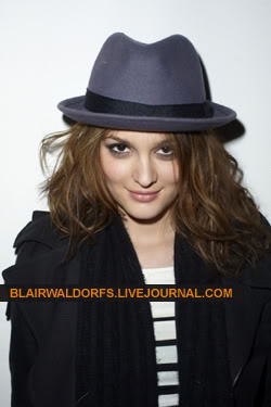 #2 Leighton Meester - Page 3 Terry05