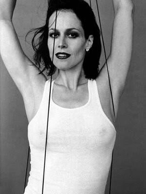 If you could recast the movie Sigourney-weaver011