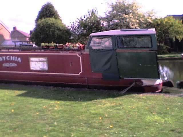 Landrover Canal Boat 12-05-10_1651