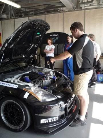 24 hour endurance race this weekend in Dubai P1000396