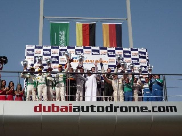 24 hour endurance race this weekend in Dubai P1000483