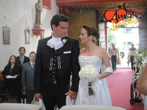 Храбрая любовь...когда приказывает сердце/Amor bravío...Cuando manda el corazón... Fbe70b62c7a9f0eb9033ac5b74de4e21