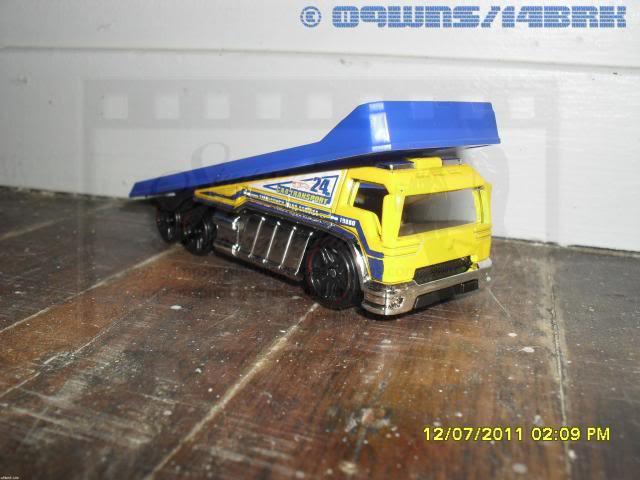 Back Slider Tow Truck (Hot Wheels) 003