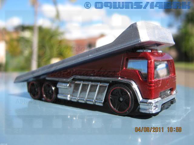 Back Slider Tow Truck (Hot Wheels) 043
