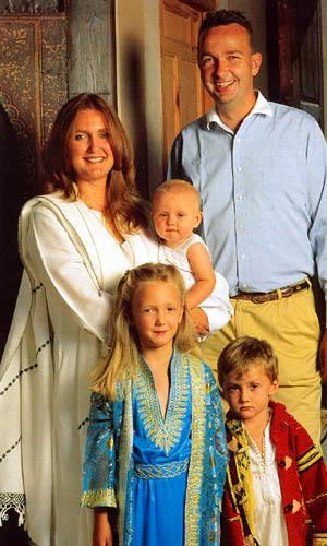 Karl von Habsburg y Francesca Thyssen-Bornemisza - Página 6 KarlHabsfam2000