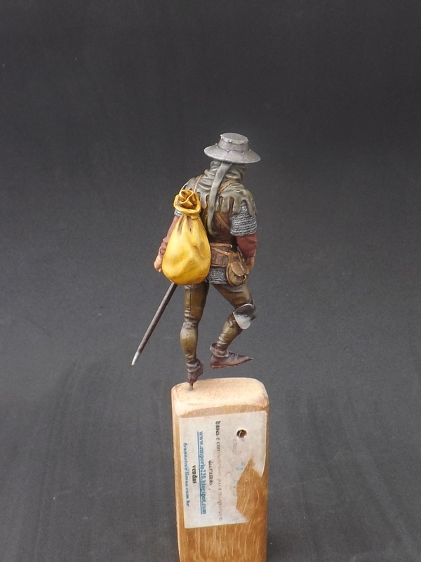 Infantryman of rhe 15th century - Castle Miniatures 75mm Halberder%20044_zpssnovr34b