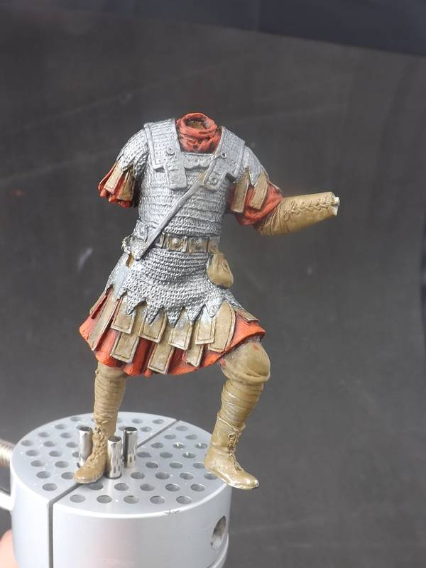 Roman Aquilifer - Ares Mythologic 75mm Aquilifer%20023_zpsf4pwrgqw