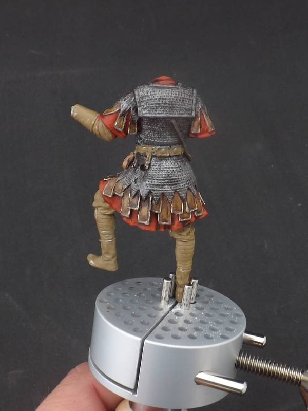 Roman Aquilifer - Ares Mythologic 75mm Aquilifer%20028_zpsmyiddnjg