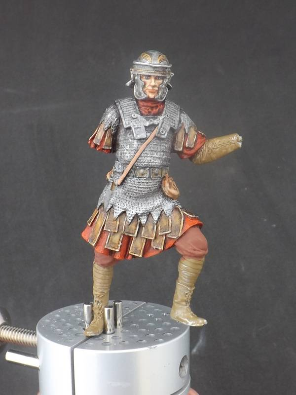 Roman Aquilifer - Ares Mythologic 75mm Aquilifer%20031_zpsdt51wq4o