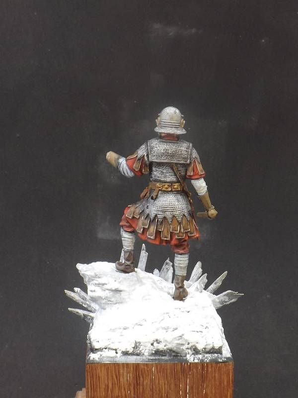 Roman Aquilifer - Ares Mythologic 75mm Aquilifer%20038_zpsbbws5rla