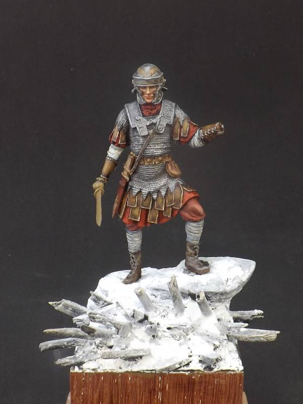 Roman Aquilifer - Ares Mythologic 75mm Aquilifer%20039_zps73bxfopd