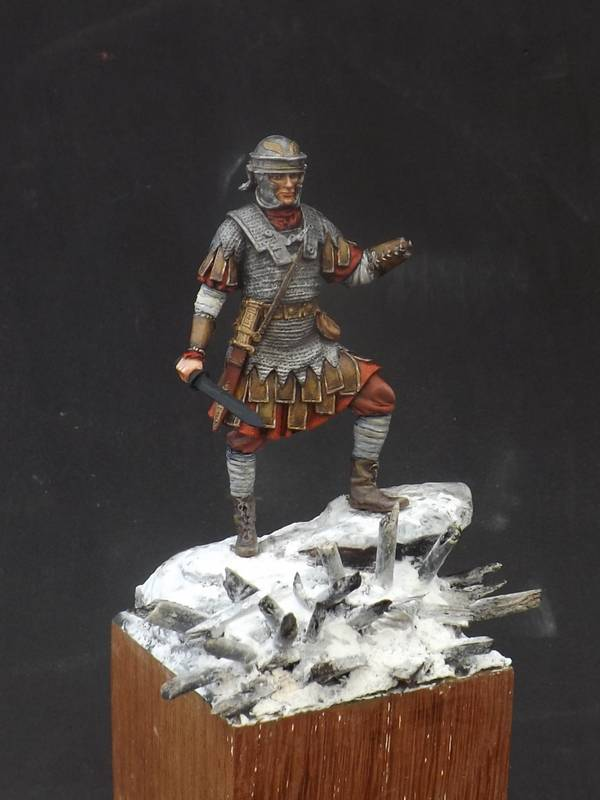 Roman Aquilifer - Ares Mythologic 75mm Aquilifer%20040_zpsxpesyxga