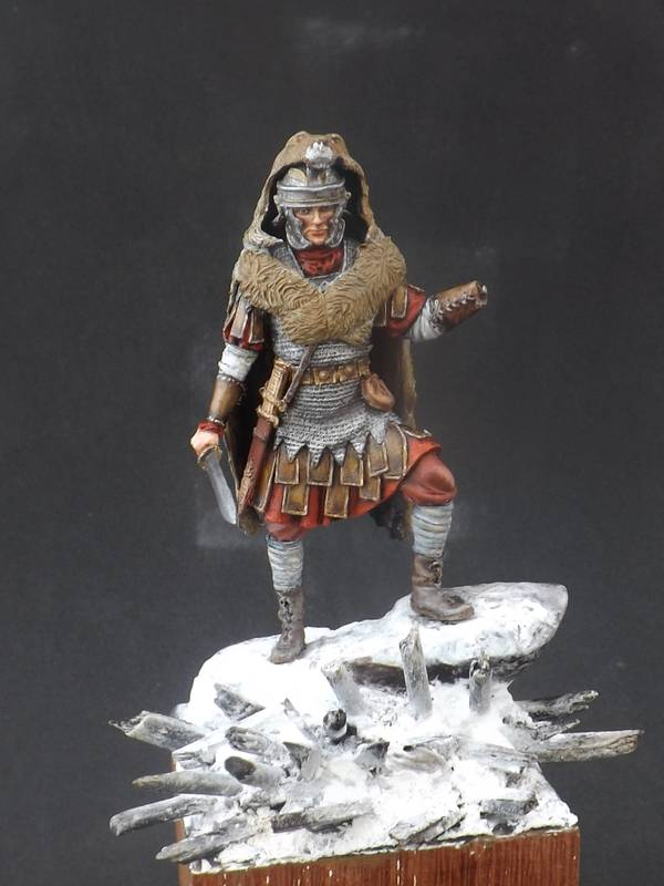 Roman Aquilifer - Ares Mythologic 75mm Aquilifer%20042_zpsalzluqos