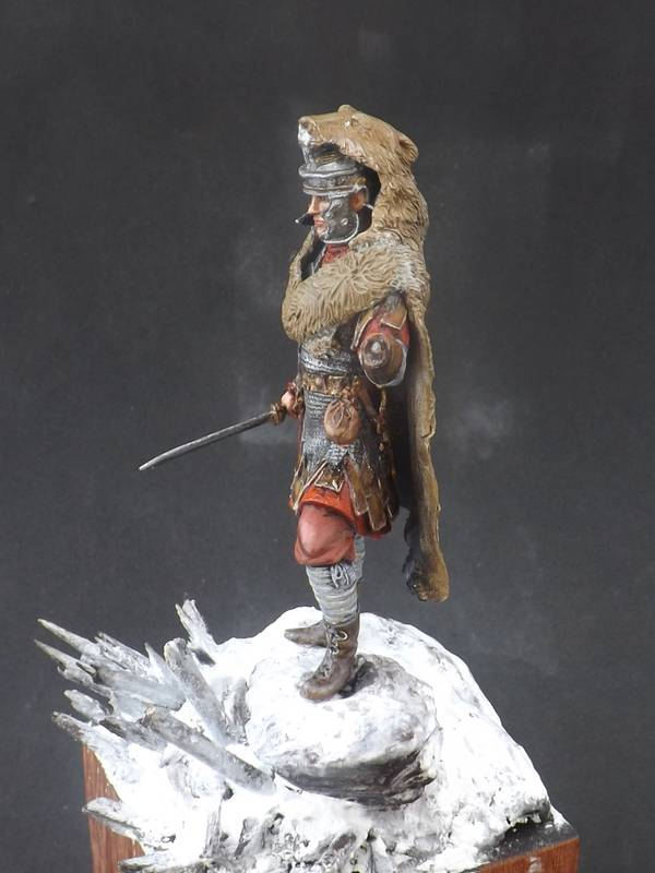 Roman Aquilifer - Ares Mythologic 75mm Aquilifer%20044_zpsjndk48kn