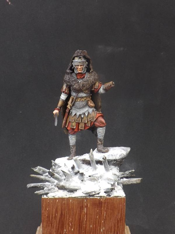 Roman Aquilifer - Ares Mythologic 75mm Aquilifer%20045_zps5l9amos6