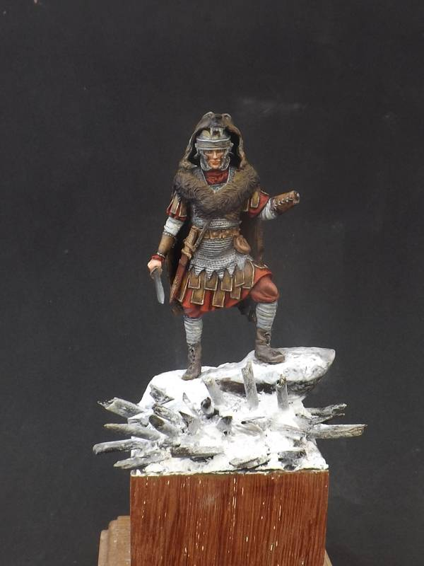 Roman Aquilifer - Ares Mythologic 75mm Aquilifer%20046_zps5ko9l9ng