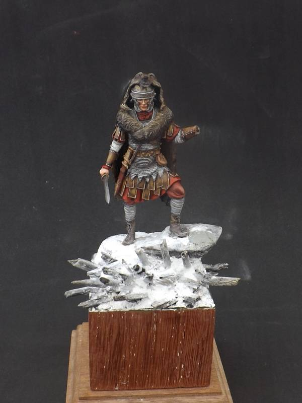 Roman Aquilifer - Ares Mythologic 75mm Aquilifer%20049_zpscqjcytfx