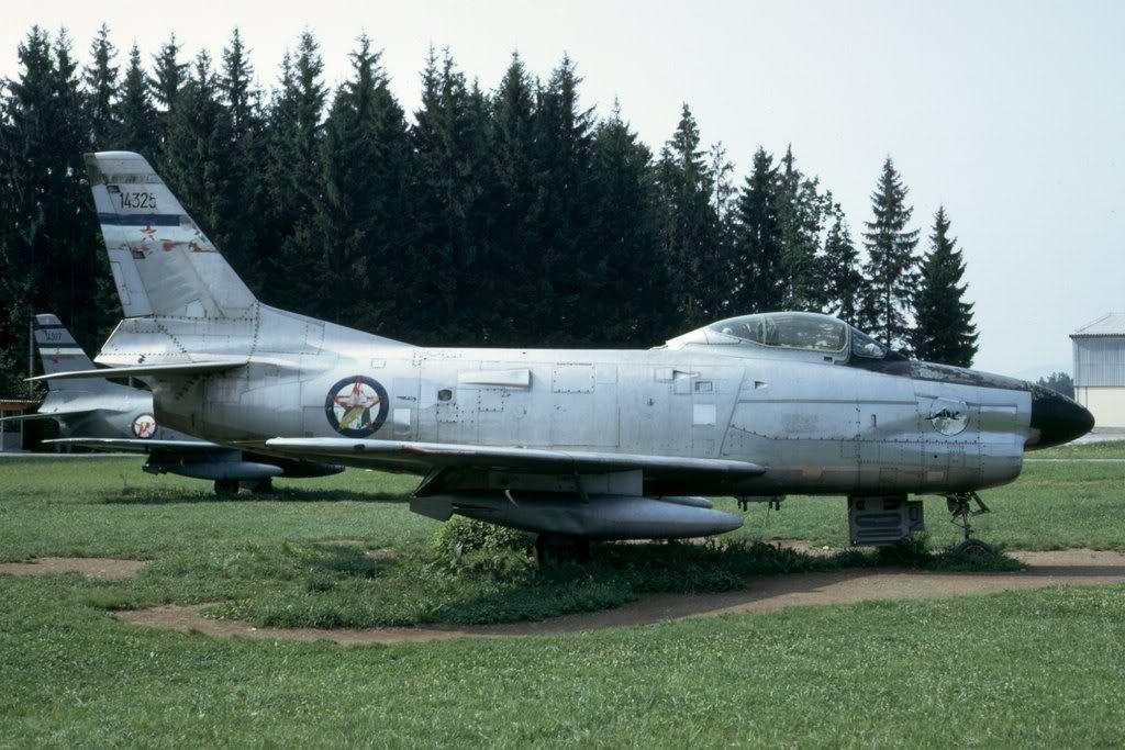 F-86E SABRE / F-86D F-86Yougoi