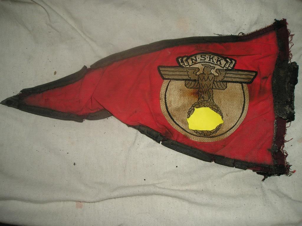 Got a ww2 german pennet flag need help Nazi1-1