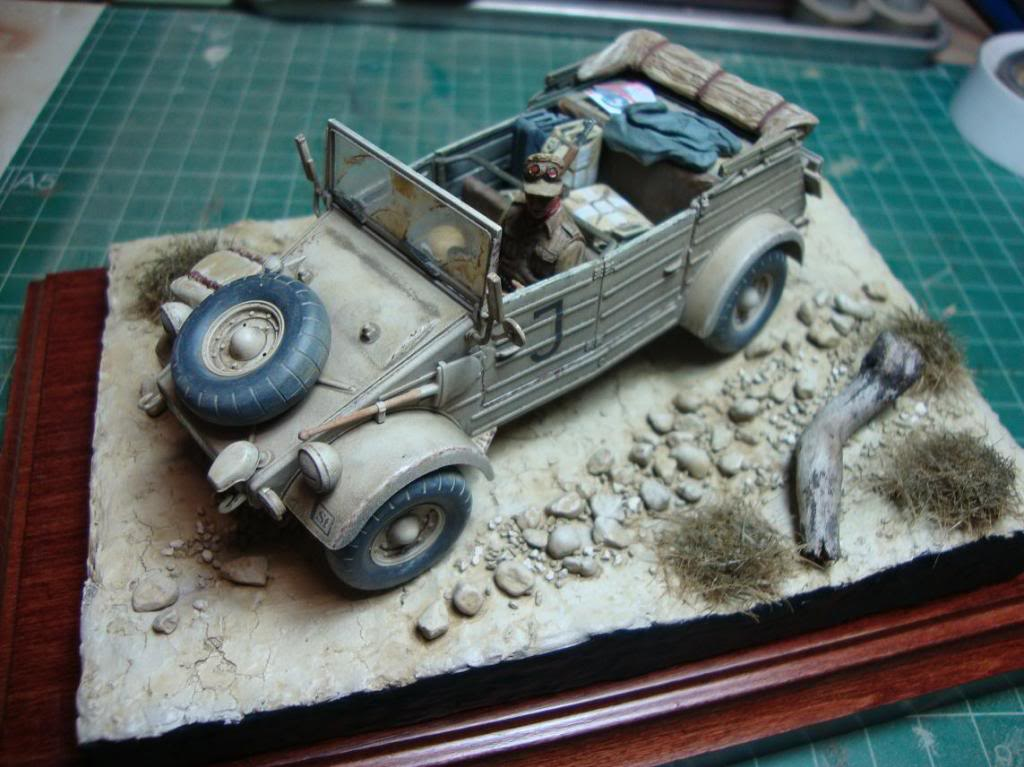 kubelwagen DAK con terrenillo DSC03460_zps4b36d4e0
