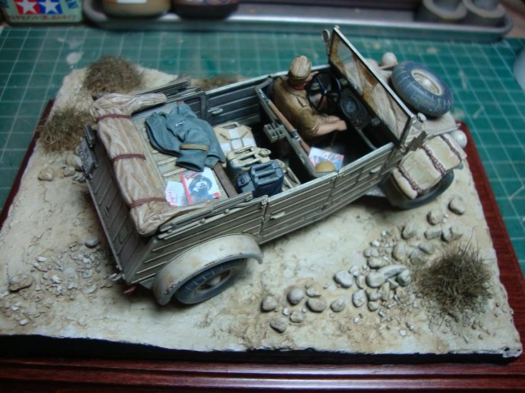 kubelwagen DAK con terrenillo DSC03461_zps1d37335f