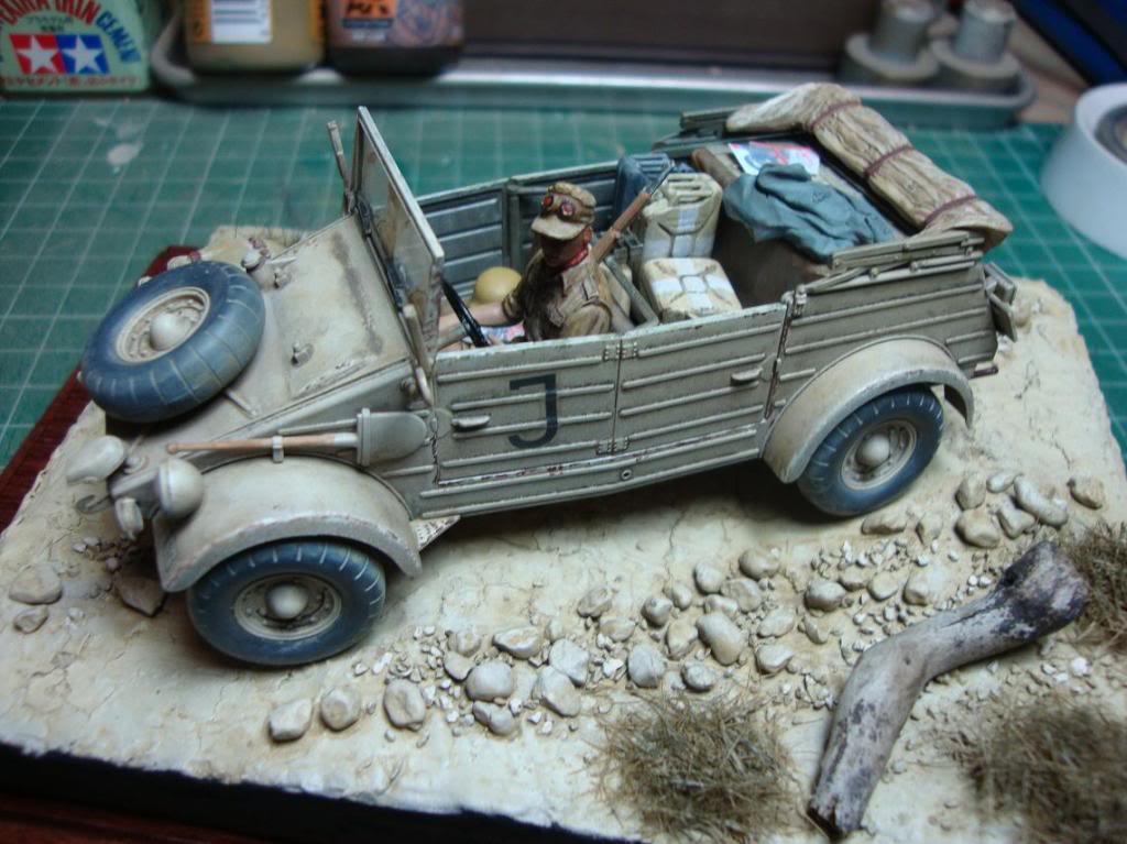 kubelwagen DAK con terrenillo DSC03465_zps27d1d337