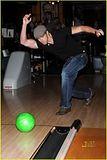 Kellan Lutz bowls for charity Th_kellan3