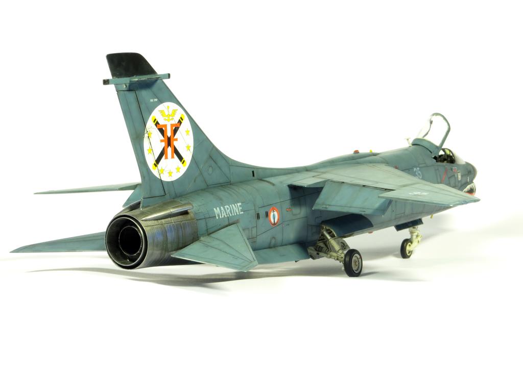 1/48 F-8EFN Crusader n°35 IMG_4159_zpse6870d40