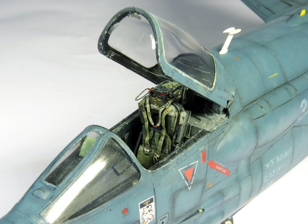 1/48 F-8EFN Crusader n°35 IMG_4171_zps6801ebf1