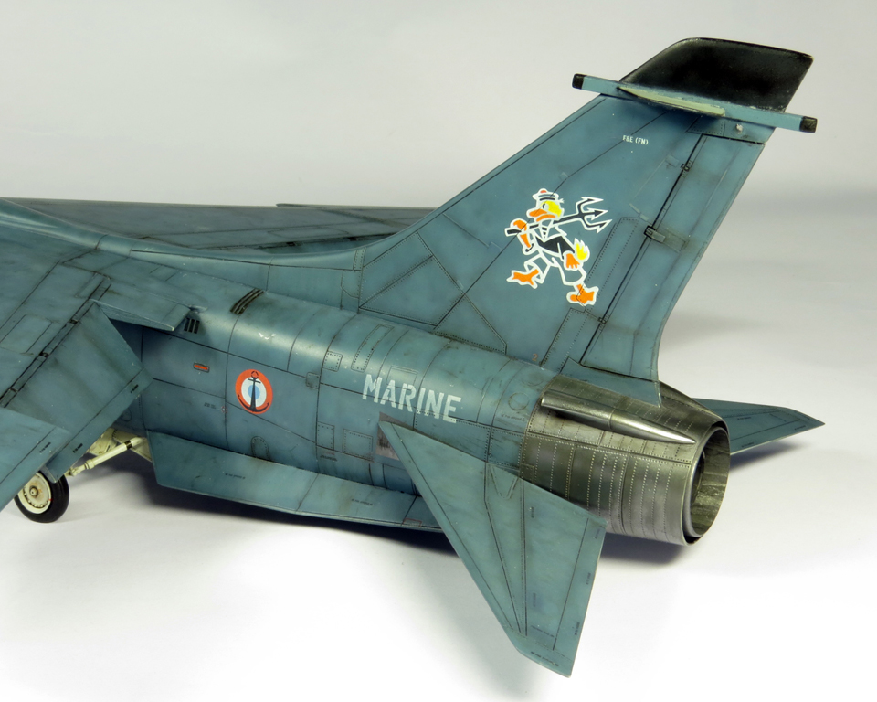 1/48 F-8EFN Crusader n°35 IMG_4175_zps1d92a64e