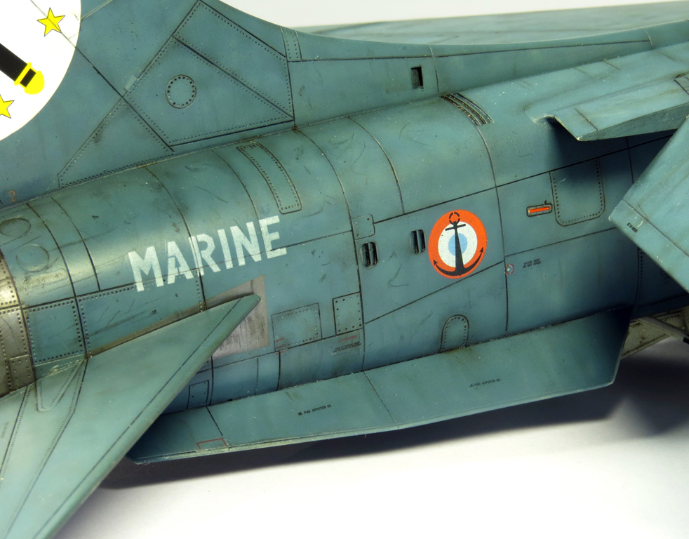 1/48 F-8EFN Crusader n°35 IMG_4177_zpsc5123104