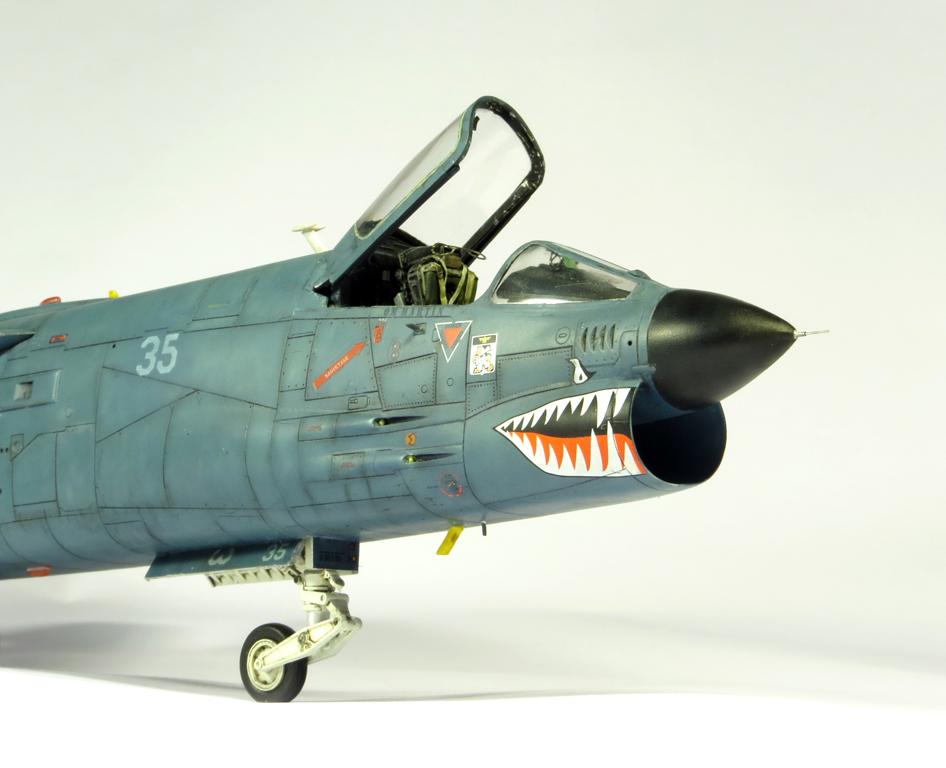 1/48 F-8EFN Crusader n°35 IMG_4184_zps3481358b