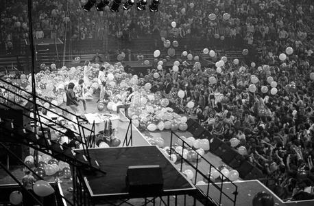 Stones gallery - Page 4 1981-1982-Concerts-17-1