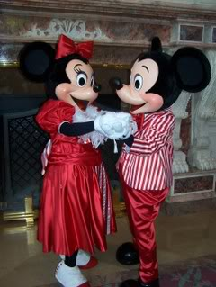 La Saint Valentin à Disneyland Paris - Page 3 100_6661