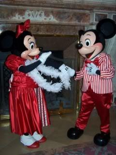 La Saint Valentin à Disneyland Paris - Page 3 100_6662