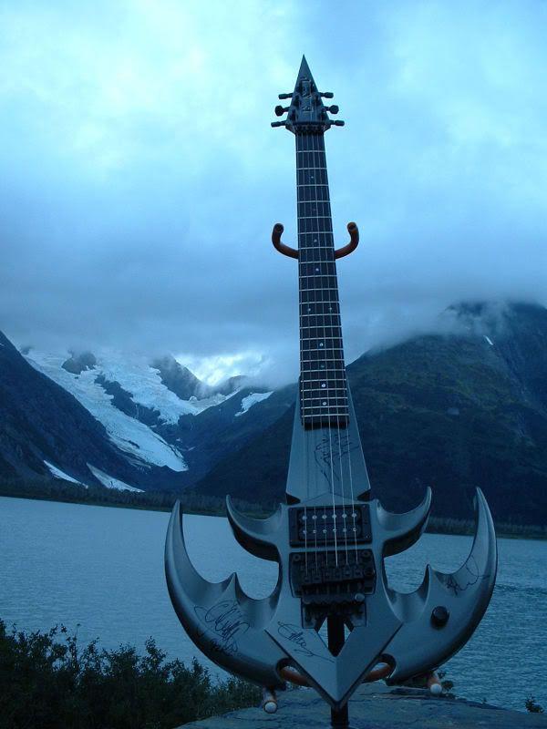 Những cây guitar siêu khủng Esp-triryche-guitar