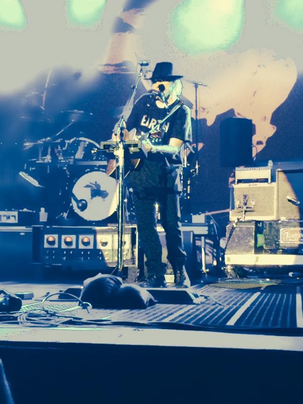 Concert Neil Young & CH à Colmar le 8 août 2014 Colmar50-Copie_zpsf67b5f0a