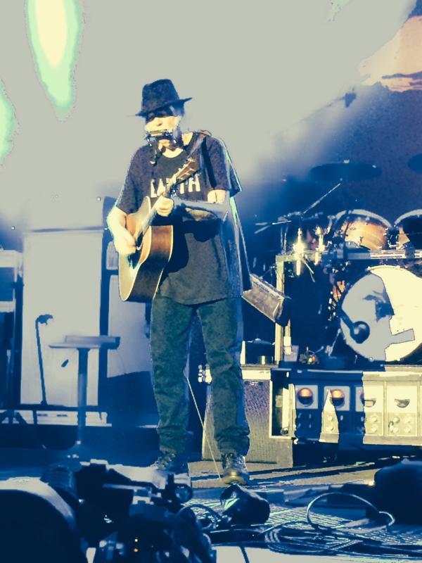 Concert Neil Young & CH à Colmar le 8 août 2014 Colmar52-Copie_zpsfe70770a
