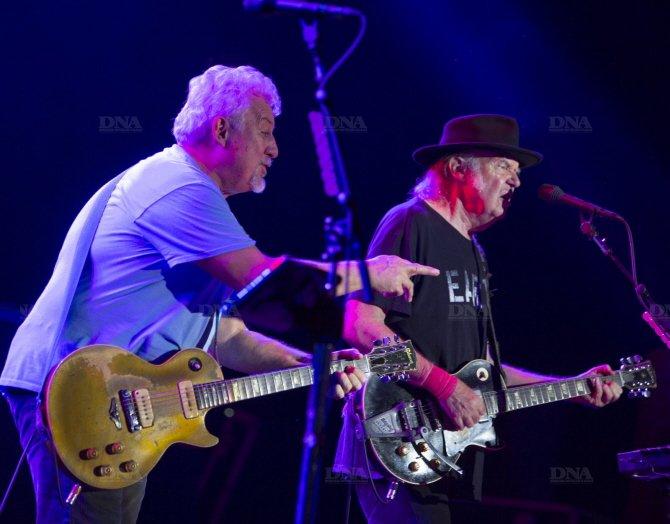 Concert Neil Young & CH à Colmar le 8 août 2014 Concert-neil-young-photo-dna-julien-kauffmann2_zps1d93137b