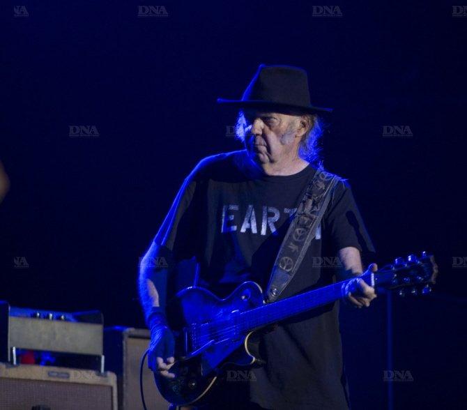 Concert Neil Young & CH à Colmar le 8 août 2014 Concert-neil-young-photo-dna-julien-kauffmann5_zpsadd295e5