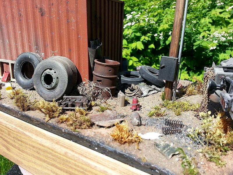 Small off-road 'Run Down' truck yard Dio Bg_dio_zps317ec9d1