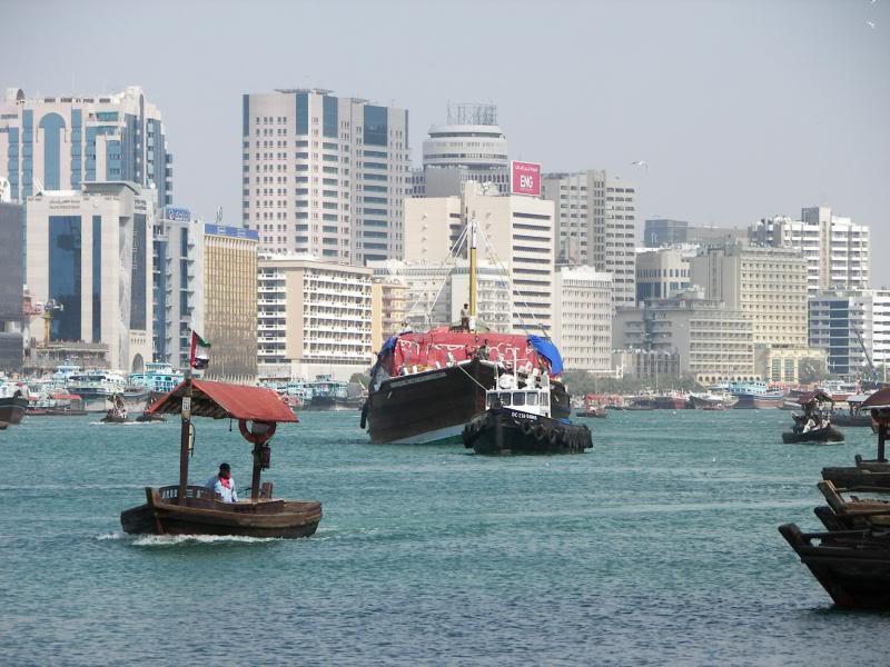No Shiny Skyscrapers. Dubai, Sharjah and Abu Dhabi: a look beyond the steel and glass urban panorama 100_3779