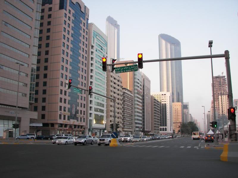 No Shiny Skyscrapers. Dubai, Sharjah and Abu Dhabi: a look beyond the steel and glass urban panorama 100_3949