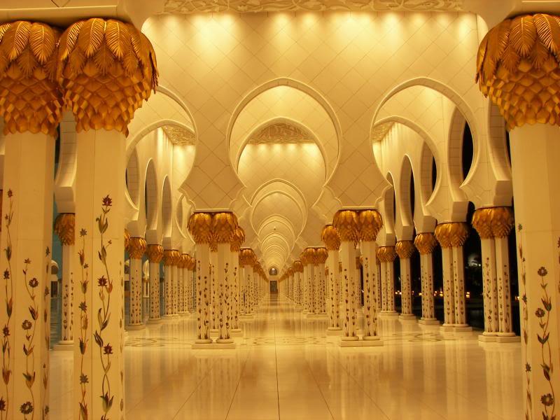 No Shiny Skyscrapers. Dubai, Sharjah and Abu Dhabi: a look beyond the steel and glass urban panorama 100_3968