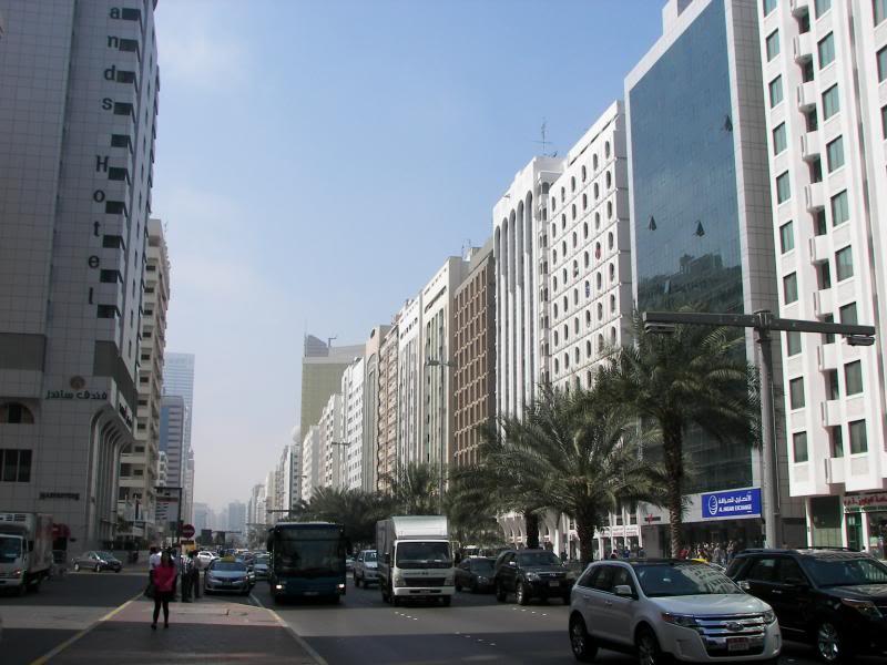 No Shiny Skyscrapers. Dubai, Sharjah and Abu Dhabi: a look beyond the steel and glass urban panorama 100_4032